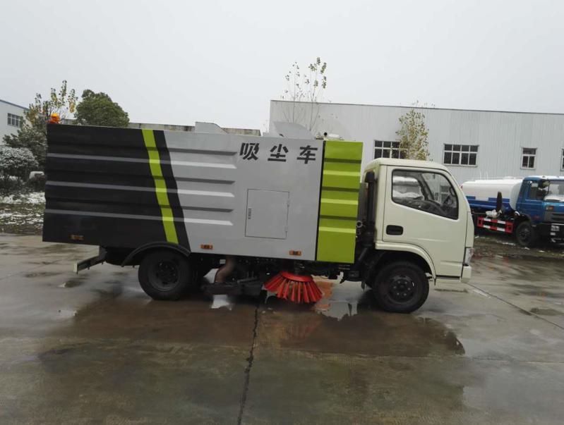 東風小多利卡5.5方吸塵車