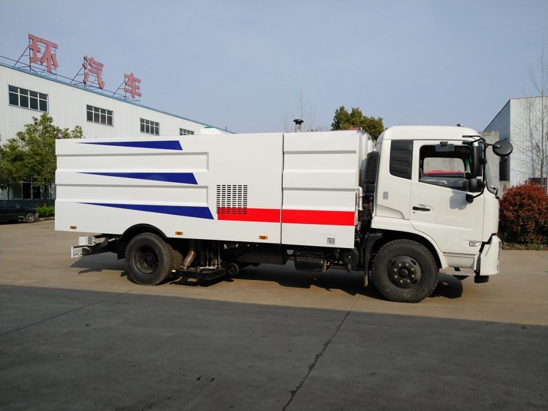东风天锦10方吸尘车