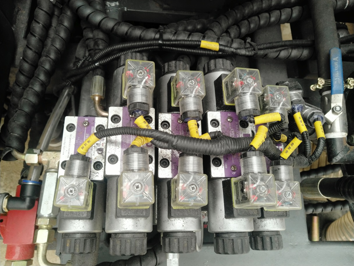 吸尘车液压电磁阀