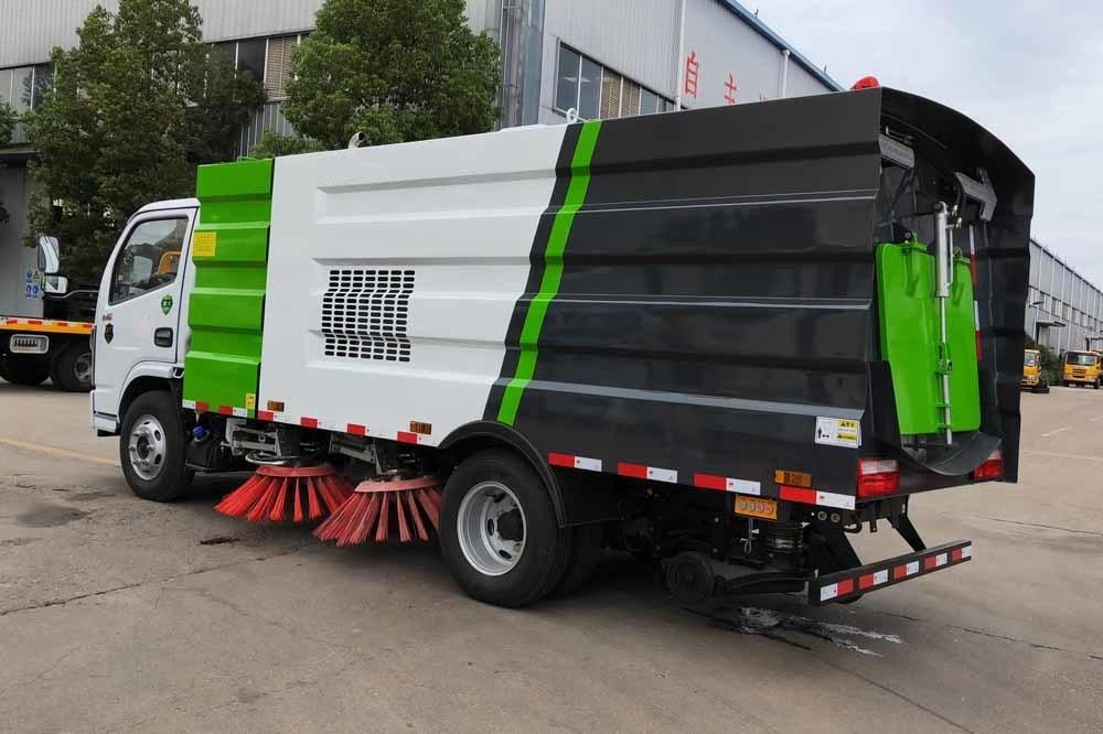 8噸掃路車