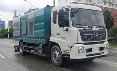 华通牌HCQ5180TXCDF6型吸尘车