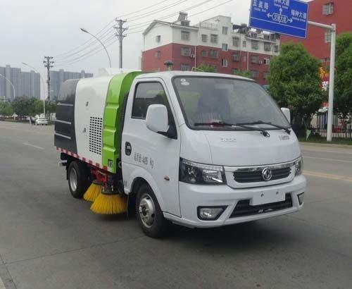 华通牌HCQ5045TSLEQ6型扫路车