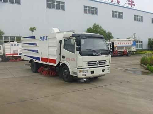 华通牌HCQ5081TSLDFA型扫路车