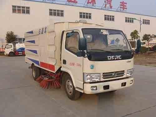华通牌HCQ5071TSLDFA型扫路车
