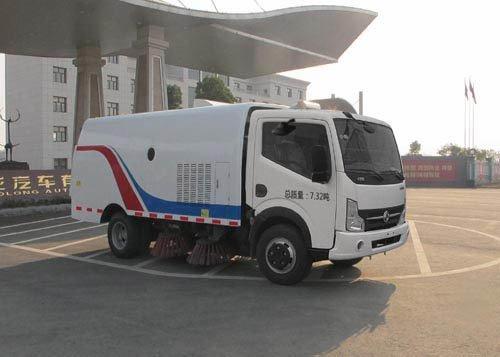 久龙牌ALA5071TSLDFA4型扫路车