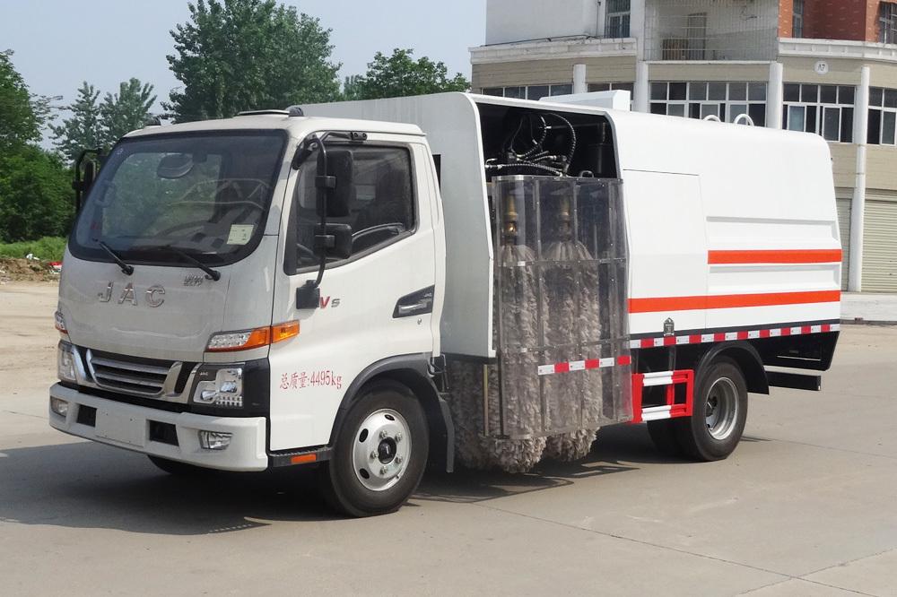 江淮4方护栏清洗车